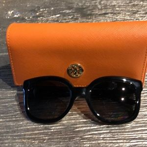 Tory Burch Cat Eye Sunglasses - Black